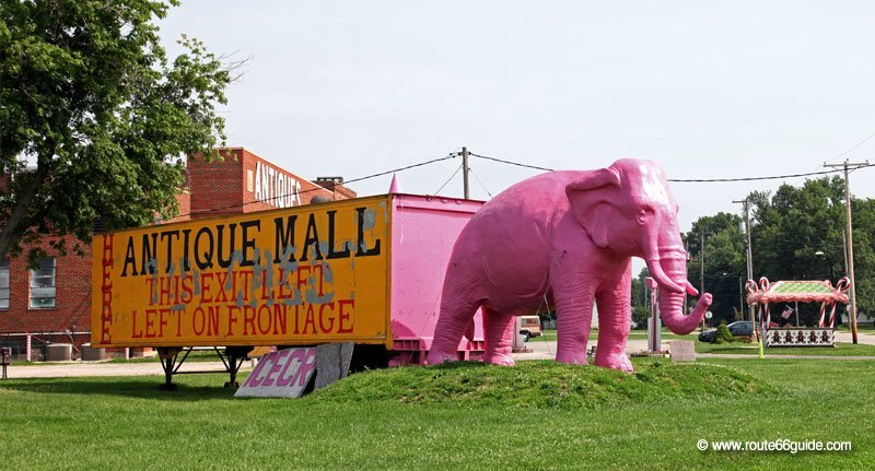 Pink Elephant Antique Mall, Livingston IL