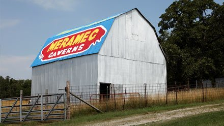 Meramec Caverns advertising Barn